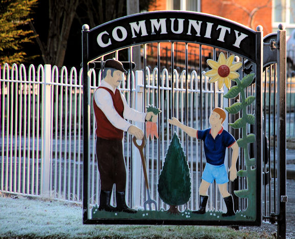 Ornamental gate, Sydenham, Belfast (2)