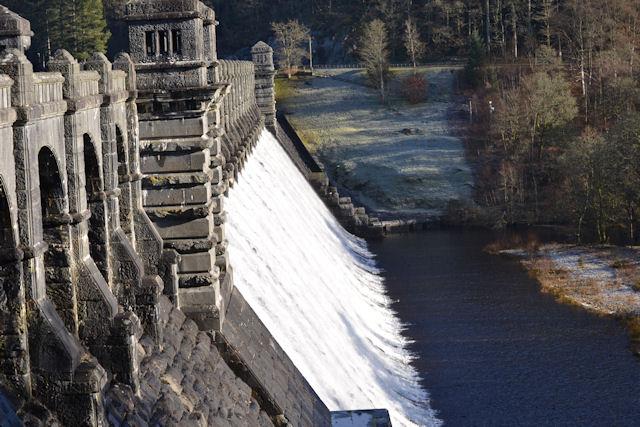 Lake Vyrnwy Dam overflowing