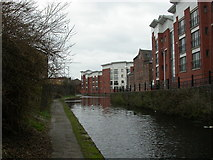 SO9298 : Wolverhampton, canal by Mike Faherty