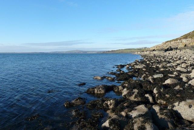 Shore near Castle Sinniness