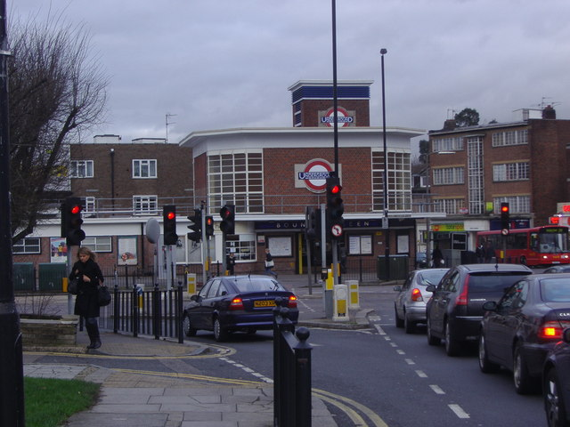 Bounds Green Tube station