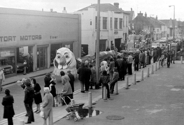 Bishop's Stortford carnival 1972 © Penny Mayes cc-by-sa/2 0