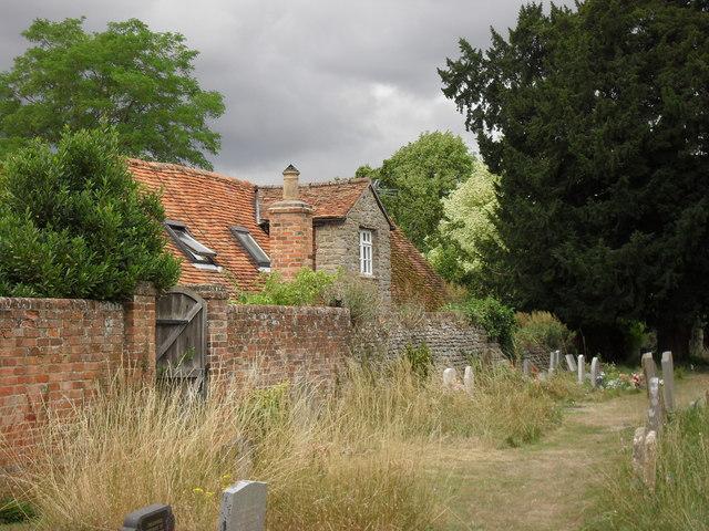 Path through West Hanney churchyard