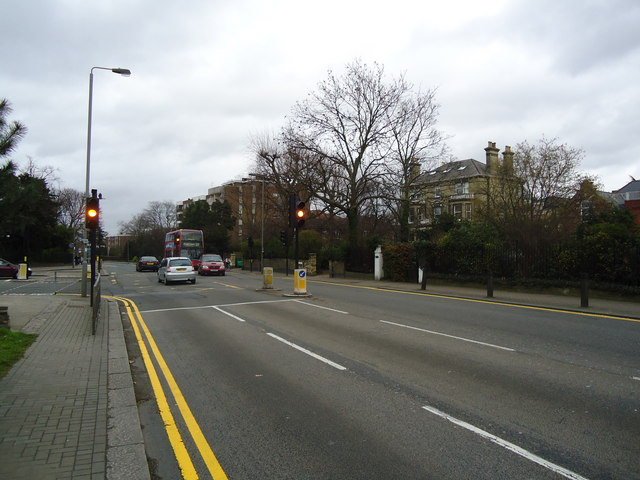 Traffic lights, Putney Hill