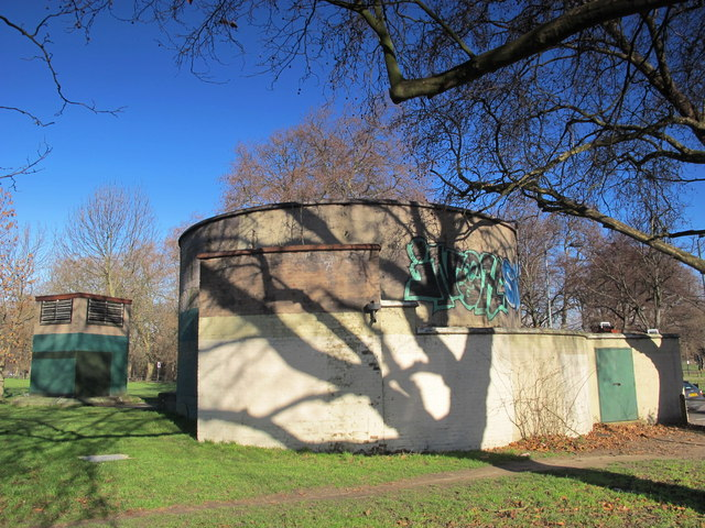 Clapham South deep shelter (north), Clapham Common South Side / The Avenue, SW12 (3)