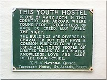TL7835 : Plaque, Former Youth Hostel, Castle Hedingham by Oxyman