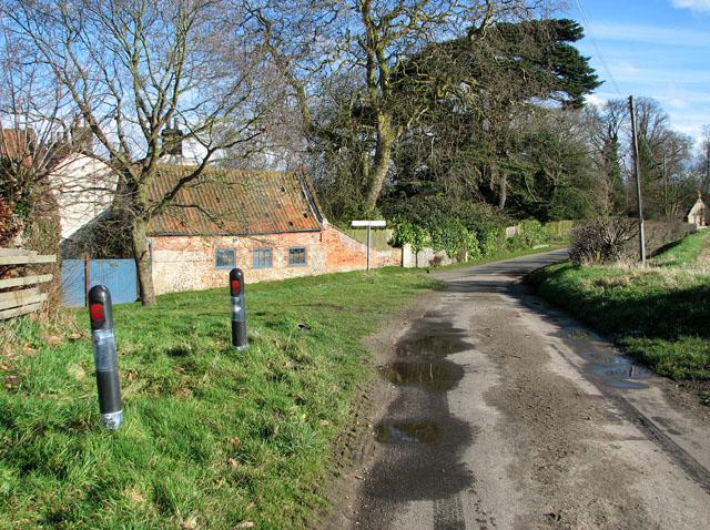 Crossroads in the village of Brinton