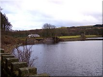 SD7217 : Turton and Entwistle Reservoir dam by Raymond Knapman