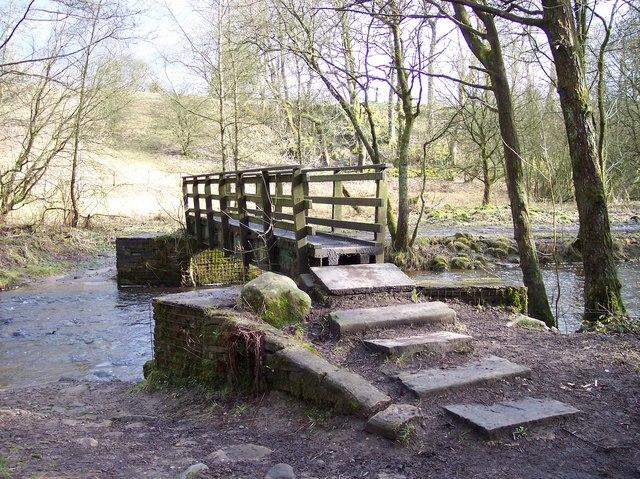 Footbridge over Broadhead Brook
