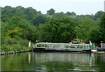 SP0272 : Narrowboat struggling at Alvechurch, Worcestershire by Roger  Kidd