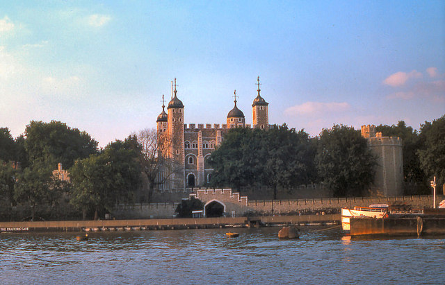 River Thames, The Tower of London