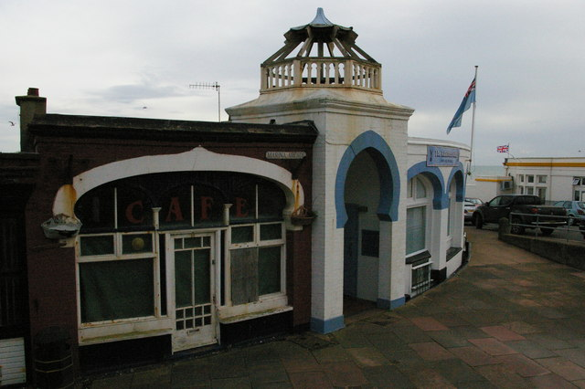 Bexhill-on-Sea: Marina Arcade