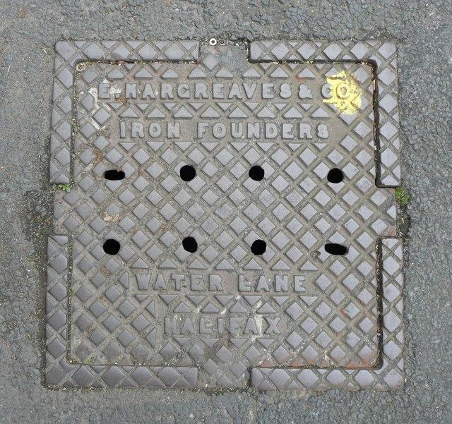Manhole cover, Upper Lane, Northowram