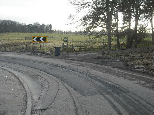 Farm entrance: Dovetshill