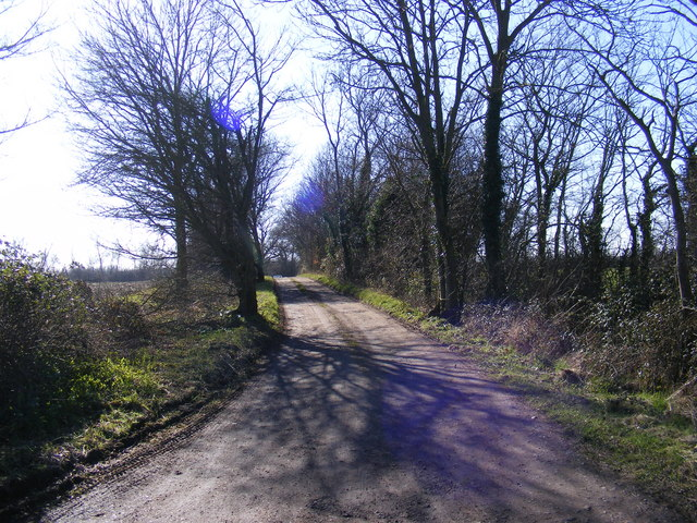 Footpath to Willow Marsh Lane & entrance to South Manor Farm