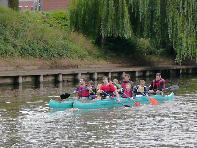 Paired canoes on the River Severn at Worcester