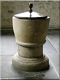 ST7733 : Font, St Peter's Church by Maigheach-gheal