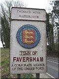 TQ9961 : Faversham Town Sign by David Anstiss