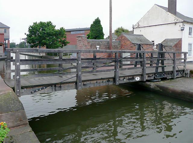 Swing bridge in Diglis Basin, Worcester