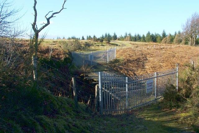 Closed footbridge