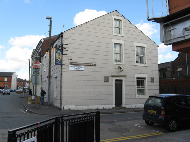Rochdale:  The 'Corporation Inn', Lower Tweedale Street