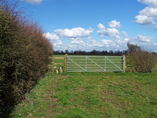 Footpath To Wheaton Aston