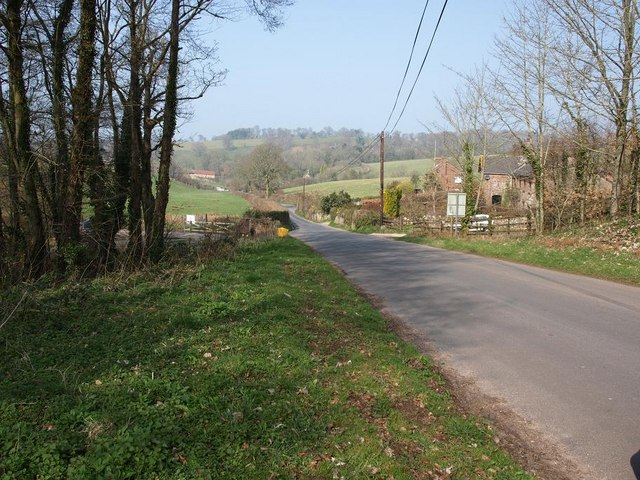 The road past Wapperwell