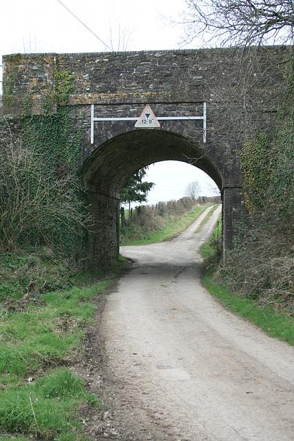 Railway bridge south of Bere Ferrers station