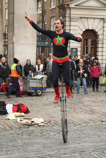 Street entertainer 4