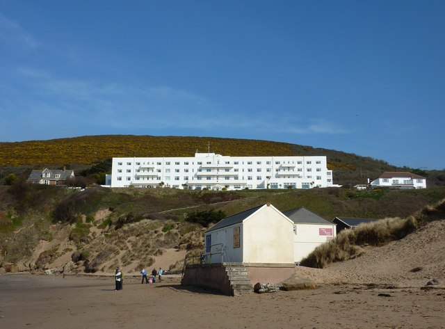 Saunton Sands Hotel and beach buildings © Tom Jolliffe :: Geograph Britain and Ireland