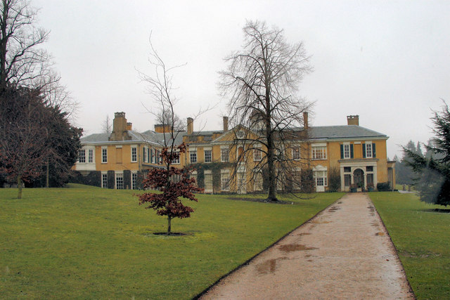 Polesden Lacey in the wet