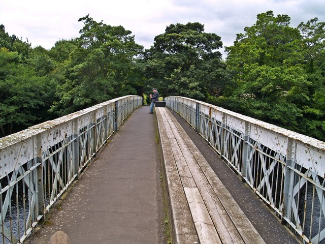 Crossing the Deepdale Aqueduct