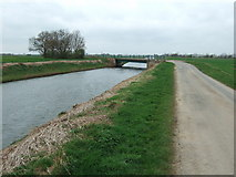 TF3516 : Coy Bridge crossing the South Holland Main Drain by Richard Humphrey