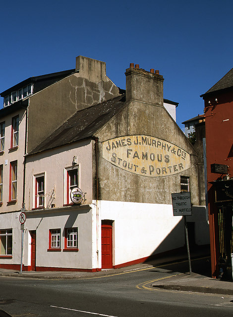 Pub wall - Glanmire Road