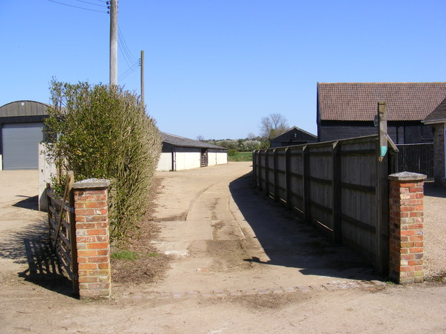 Footpath to Thong Hall Road