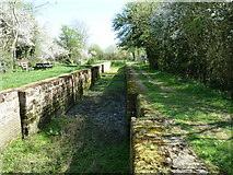 TQ0524 : Lordings Lock and aqueduct by Dave Spicer