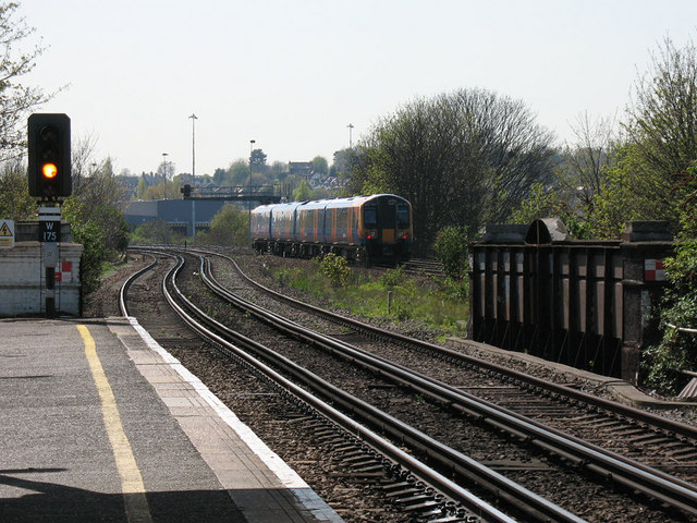 Tracks to the south of Earlsfield station
