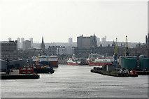 NJ9505 : Aberdeen harbour by Mike Pennington