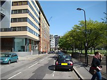 TQ3283 : Towerblocks around Haggerston, viewed from the New North Road/Poole Street junction by Robert Lamb