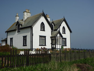 NT9267 : Berwickshire Architecture : Clifftop House at St Abb's by Richard West