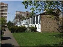 SO8896 : Council Housing - Pinfold Grove by John M