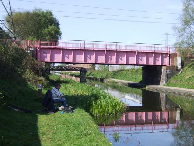 Tame Valley Canal - Metro Bridge