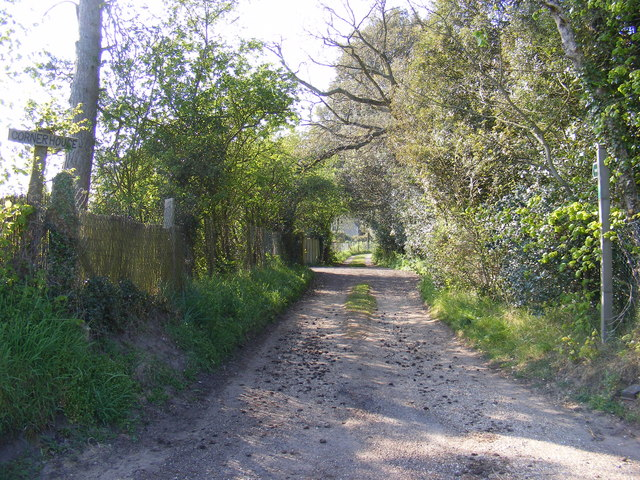 Footpath to Glemham Road