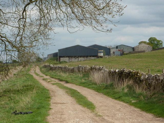 Approaching Rockhurst Farm