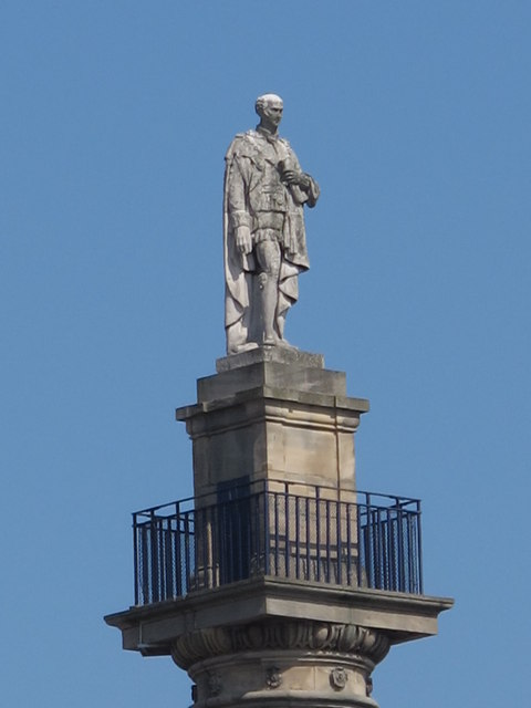 Earl Grey atop his monument