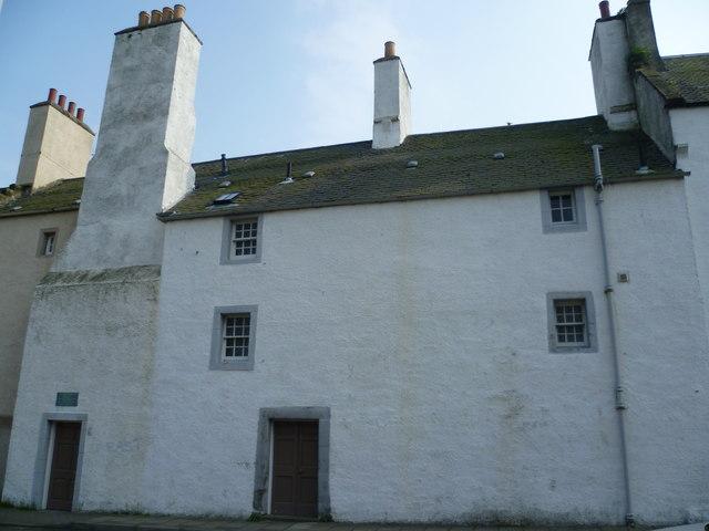18thC house, Somerville Square, Burntisland