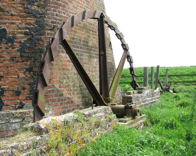 Lockgate drainage mill, Freethorpe - the scoop wheel