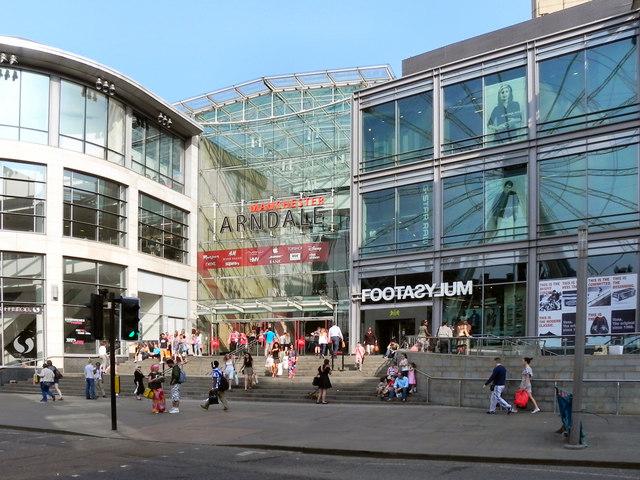 0137d2184f27 Manchester Arndale Centre © David Dixon    Geograph Britain and Ireland