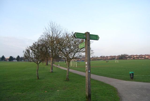LOOP signpost, Barnet