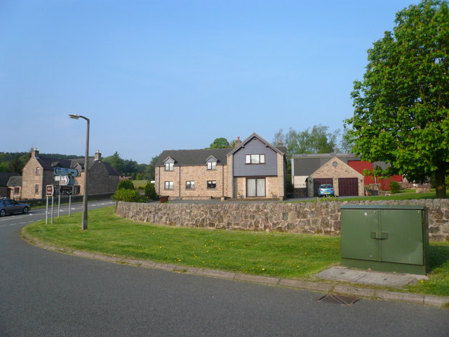 Houses near the end of Beelow Lane